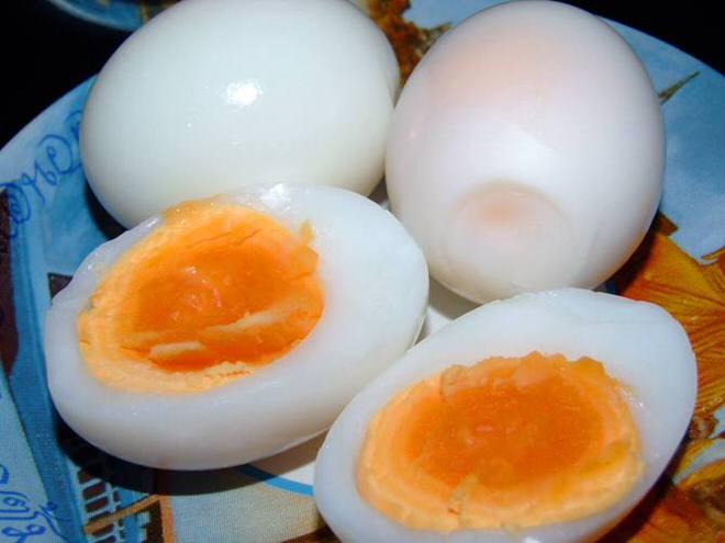 ไข่เป็ดลวก ทานคู่น้ำพริก