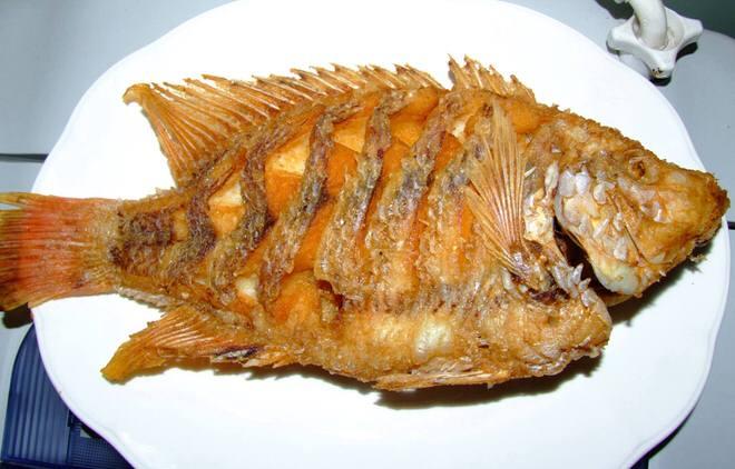 ปลาทับทิมที่ทอดเสร็จแล้ว