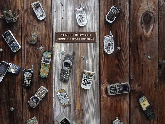 phone-1123386_640