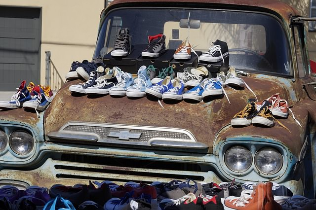 shoe-sale-973517_640